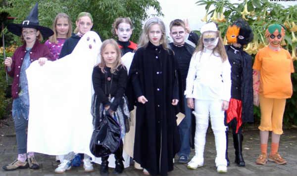 ハロウィンにおける仮装の例